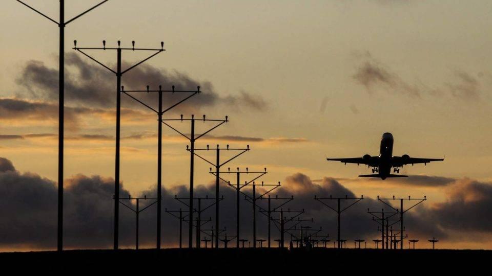 Queda no ICMS sobre querosene de aviação aumenta voos no Paraná