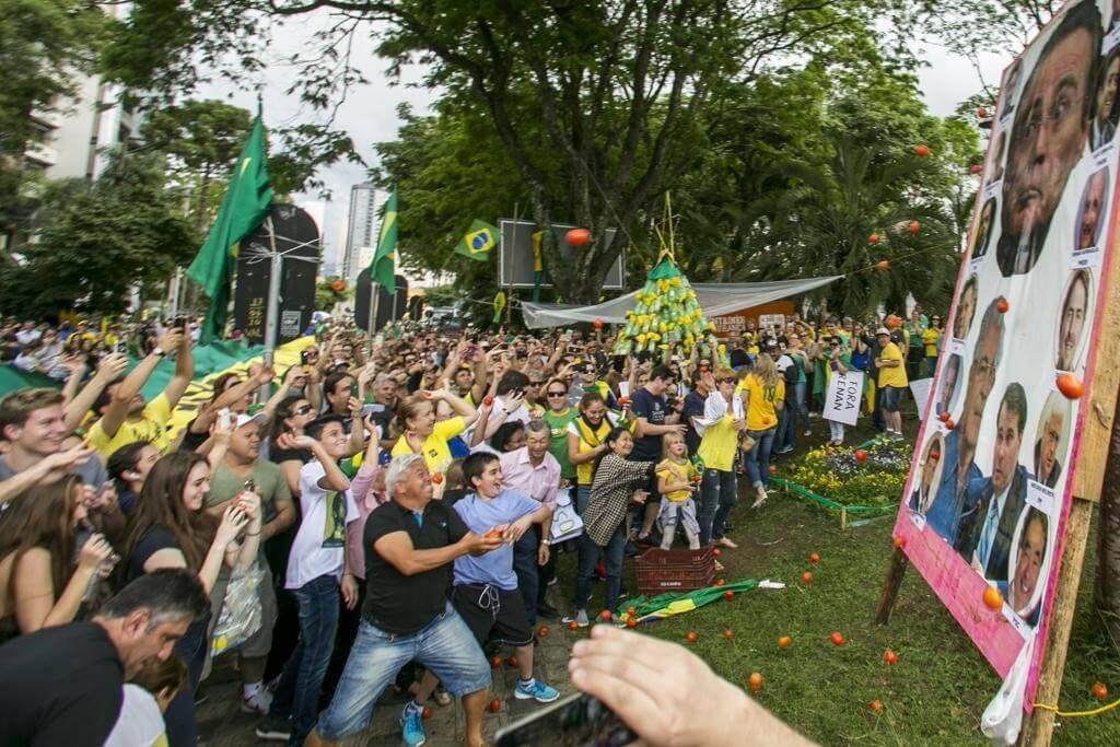 Percepção de corrupção cresce no Brasil